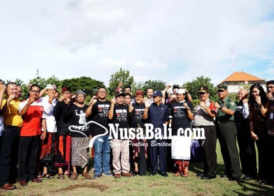 Nusabali.com - bagikan-sembako-calon-bisa-diskualifikasi