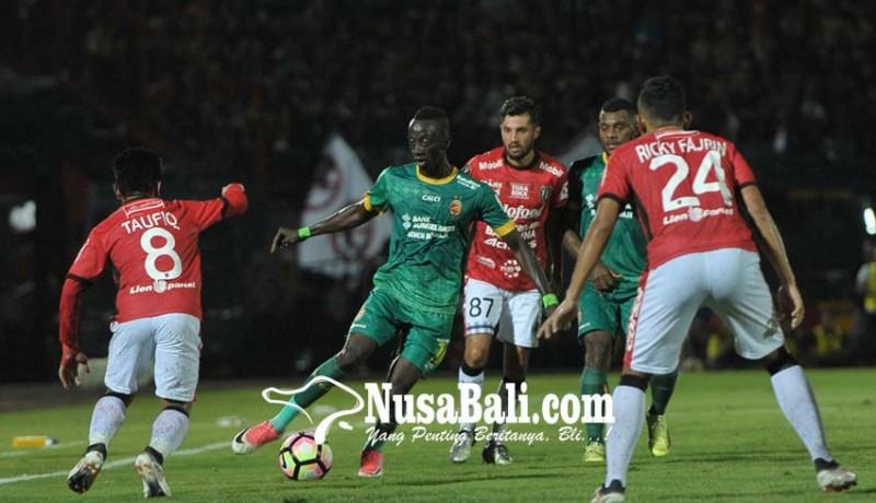 www.nusabali.com-bali-united-tantang-persija