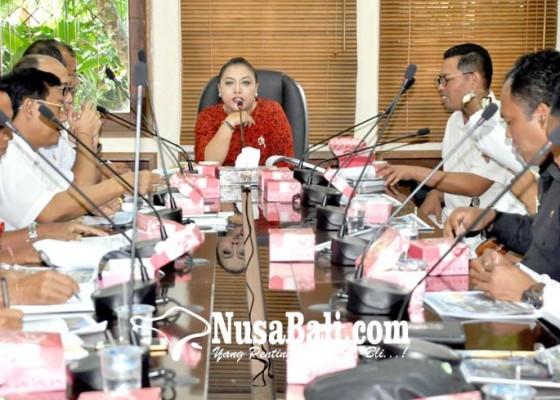 Nusabali.com - tahun-2017-pendapatan-tanah-lot-capai-rp-147-miliar