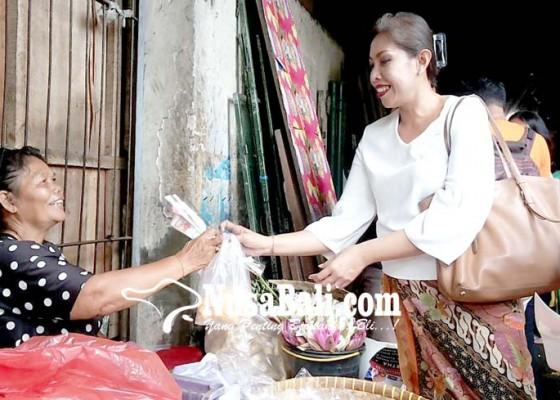 Nusabali.com - gek-rani-kunjungi-pasar-mahayastra-serahkan-truk