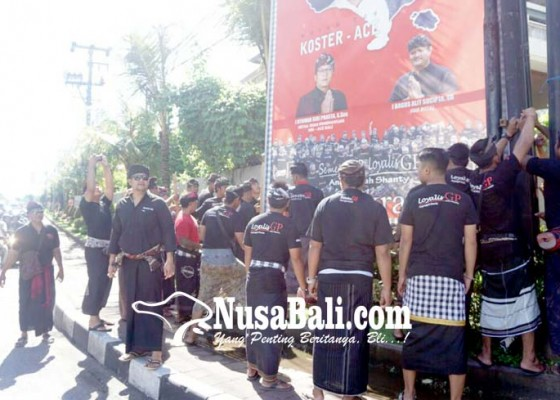 Nusabali.com - simpatisan-kbs-ace-turunkan-baliho