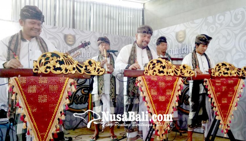 www.nusabali.com-gita-bhaskara-etnik-hidupkan-kembali-mandolin