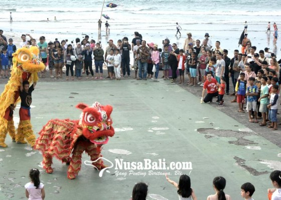 Nusabali.com - warga-tionghoa-arak-barongsai-di-kuta