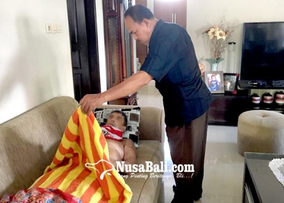 Nusabali.com - bersihkan-kolam-renang-bule-aussie-tewas-kesetrum