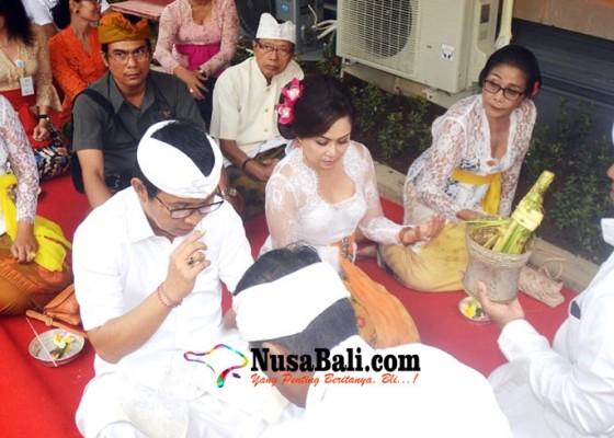 Nusabali.com - adi-arnawa-tempati-eks-rumjab-bupati