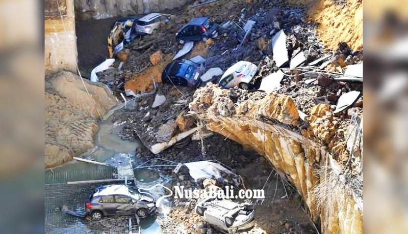www.nusabali.com-lubang-menganga-telan-kendaraan-dan-gedung