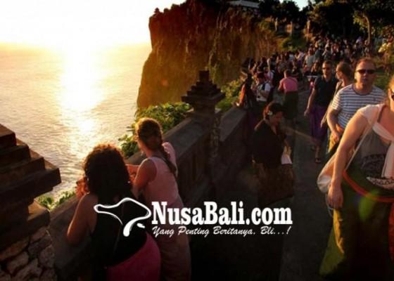 Nusabali.com - industri-pariwisata-tetap-andalan-penyerapan-naker