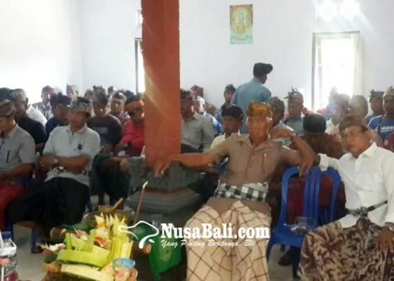 Nusabali.com - tersangka-bendesa-pohsanten-diberhentikan-sementara