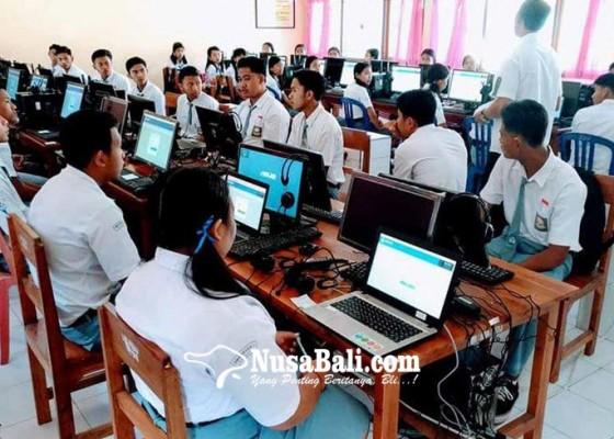 Nusabali.com - ujicoba-unbk-terkendala-listrik
