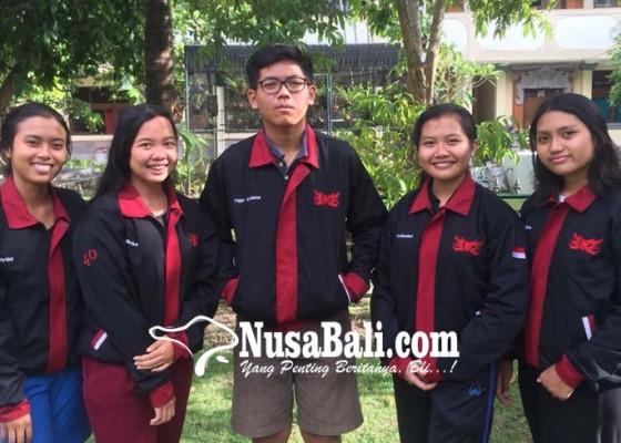 Nusabali.com - utari-mustika-putri-cs-bawakan-penelitian-produk-eco-board