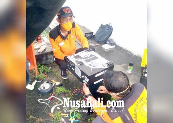 Nusabali.com - bnpb-perbaiki-4-repeater-rusak
