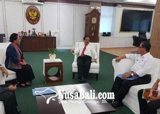 Nusabali.com - presiden-joko-widodo-rencananya-bagi-bagi-sertifikat-tanah-di-tabanan