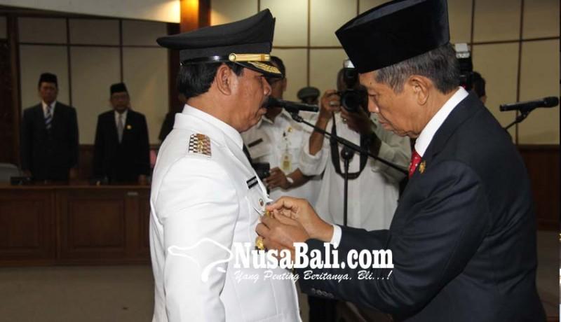 www.nusabali.com-rochineng-resmi-sebagai-penjabat-bupati