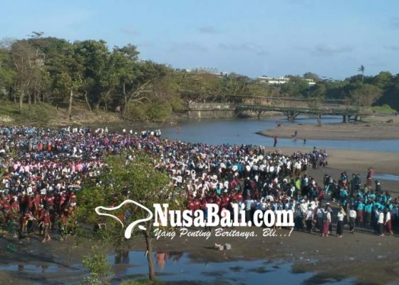 Nusabali.com - libatkan-5555-penari-dari-21-smasmk-di-kabupaten-badung