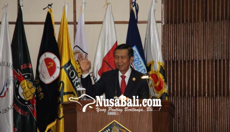www.nusabali.com-gubernur-siap-bangun-stadion-international