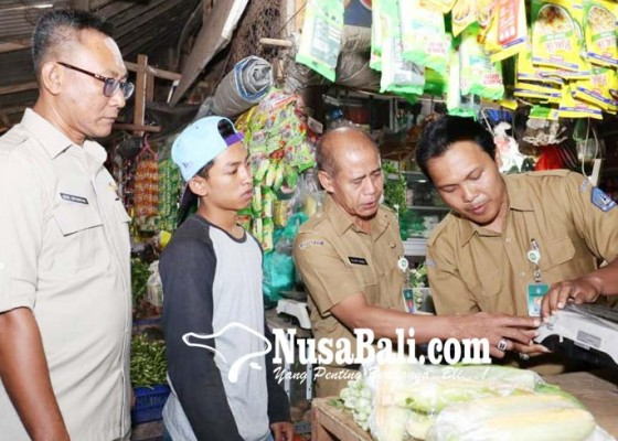 Nusabali.com - pansus-retribusi-tera-ulang-kunjungi-pasar-dan-cargo
