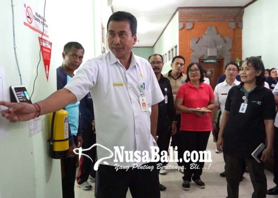 Nusabali.com - penjabat-bupati-klungkung-sidak-opd