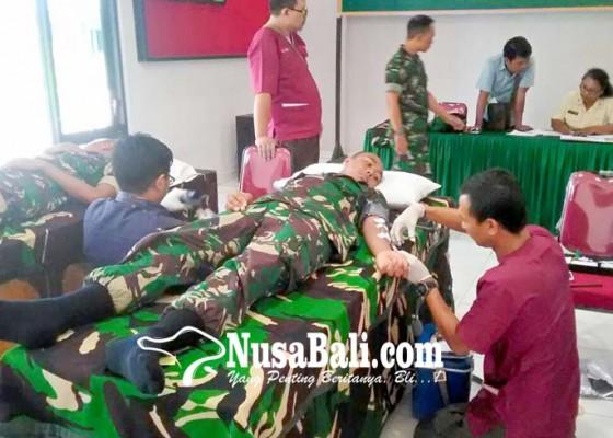 Nusabali.com - tni-jembrana-sumbangkan-41-kantong-darah