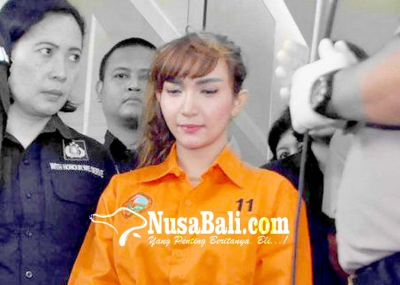 Nusabali.com - 8-pengacara-siap-bela-roro-fitria
