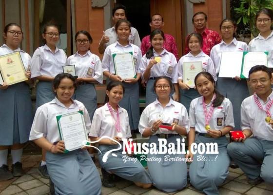 Nusabali.com - 14-siswa-sman-3-denpasar-bawa-pulang-6-medali