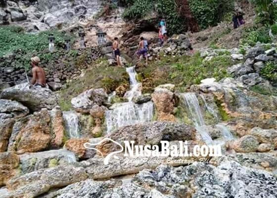 Nusabali.com - mata-air-seganing-dilirik-wisatawan