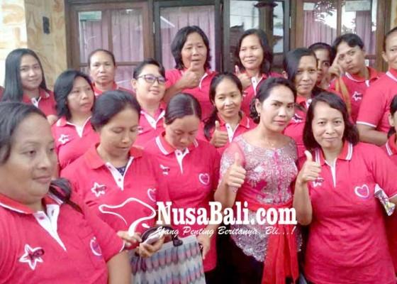 Nusabali.com - srikandi-dewan-bali-perkenalkan-diri-ke-ibu-ibu-kader-posyandu