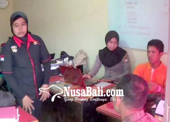 Nusabali.com - remaja-bertelur-akhirnya-diperiksa-polisi