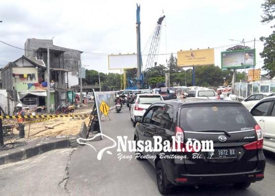 Nusabali.com - pengaturan-lalin-dilakukan-secara-situasional