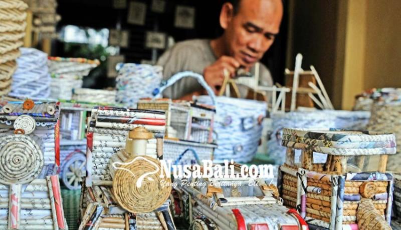 www.nusabali.com-kerajinan-dari-koran-bekas
