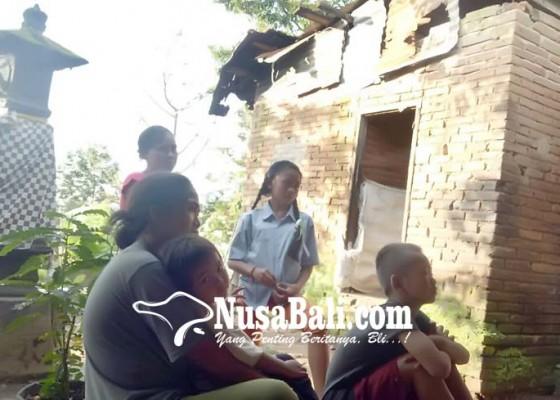 Nusabali.com - sering-diejek-karena-miskin-anak-sulung-putus-sekolah-saat-sd