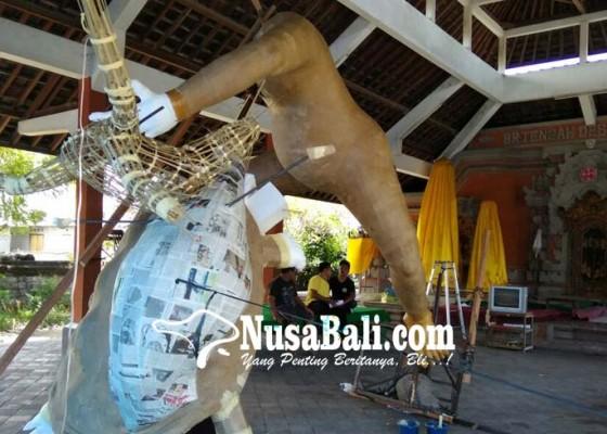 Nusabali.com - peserta-lomba-ogoh-ogoh-menurun