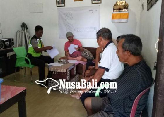 Nusabali.com - warga-pasang-plang-di-proyek-perumahan