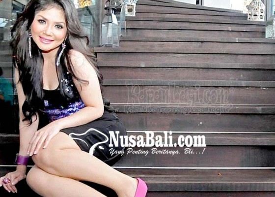 Nusabali.com - kristina-tak-mau-hidup-sendiri