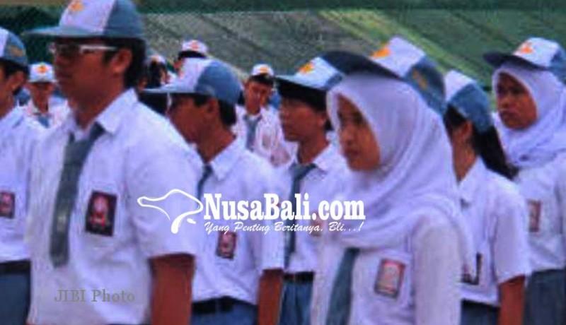 www.nusabali.com-siswa-smkn-1-singaraja-disertifikasi-kemenpar