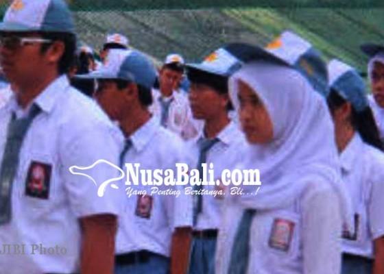 Nusabali.com - siswa-smkn-1-singaraja-disertifikasi-kemenpar