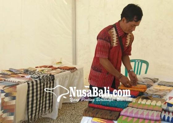 Nusabali.com - 25-perajin-kain-rangrang-bertahan