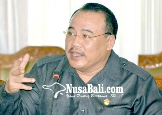 Nusabali.com - sugawa-korry-alasan-pembatalan-bandara-buleleng-tidak-rasional