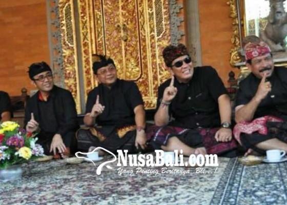Nusabali.com - karena-foto-angkat-telunjuk-rochineng-dipanggil-panwaslu