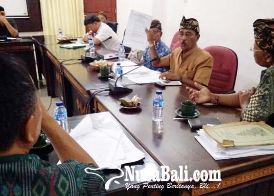Nusabali.com - minta-stop-pemilihan-kelian-adat