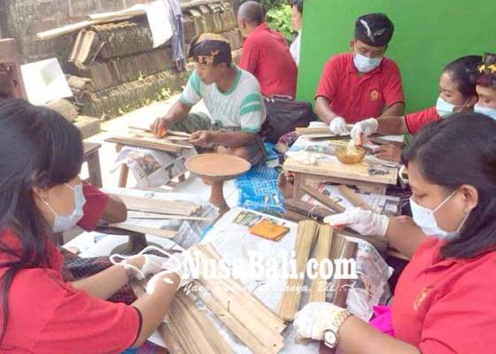 Nusabali.com - lontar-umur-15-abad-rusak-karena-dimakan-tikus