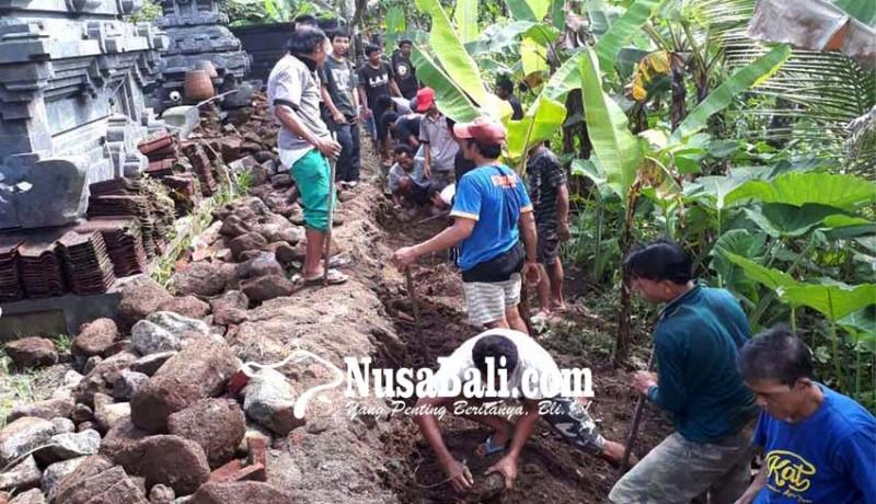 www.nusabali.com-ngayah-bongkar-tembok-pura