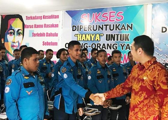 Nusabali.com - dr-arya-wedakarna-sebut-smk-penerbangan-cakra-nusantara-punya-potensi-besar-untuk-unggul