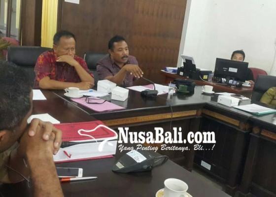 Nusabali.com - dprd-kesal-dana-kis-rp-44-m-tak-terpasang