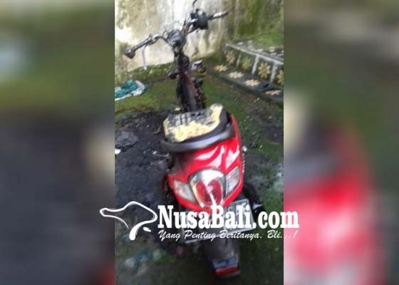 Nusabali.com - minta-rp-17-juta-tak-diberi-pemuda-bakar-motor