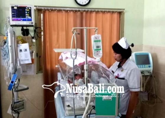 Nusabali.com - lagi-bayi-perempuan-dibuang-di-tabanan
