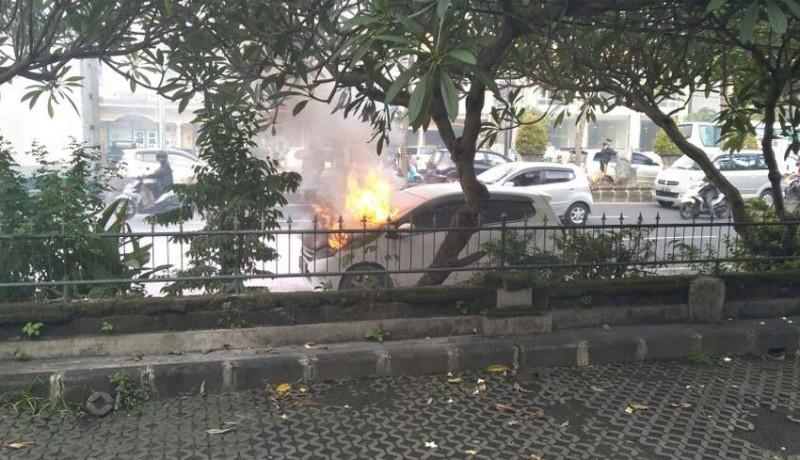 www.nusabali.com-tiga-kebakaran-mobil-dalam-sepekan