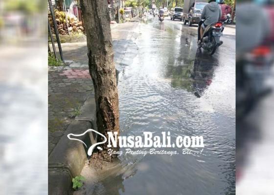 Nusabali.com - drainase-buruk-air-kerap-meluber-ke-jalan