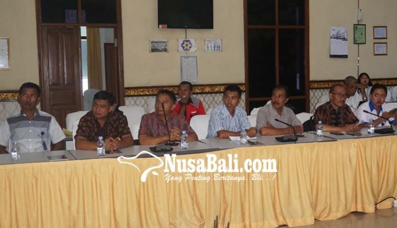www.nusabali.com-pt-ip-bertemu-tokoh-adat-dan-dinas-bertemu-tokoh-adat-dan-dinas