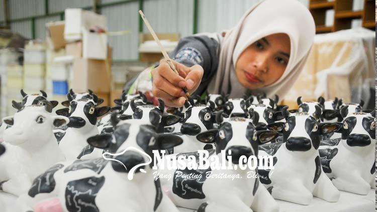 www.nusabali.com-kerajinan-miniatur-patung-sapi