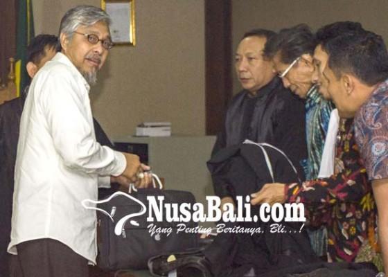 Nusabali.com - gubernur-nur-alam-dituntut-18-tahun-bui